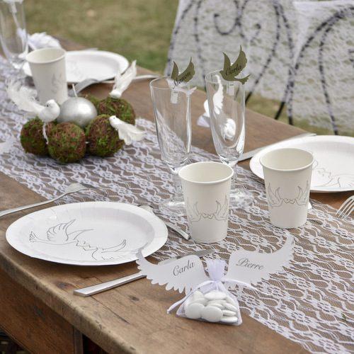 tafelloper-white-lace