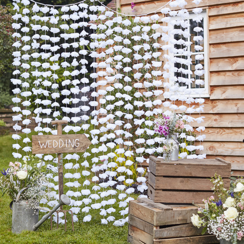 Backdrop-White-Floral-Rustic-Country