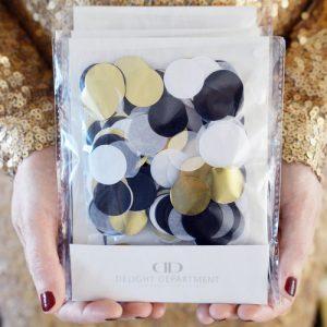 bruiloft-decoratie-confetti-black-gold-white