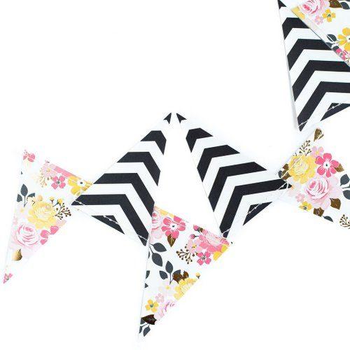 bruiloft-decoratie-vlaggetjesslinger-flower-black-white-2