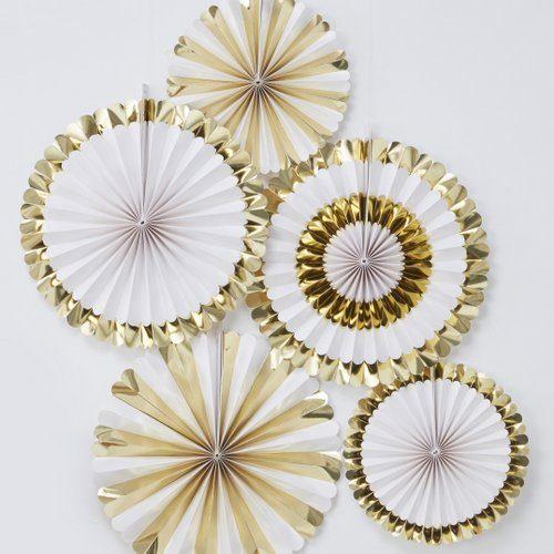 bruiloft-decoratie-paper-fans-goud-wit