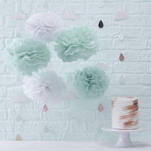 bruiloft-decoratie-pompoms-mint-wit
