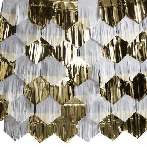 oud-en-nieuw-versiering-backdrop-gold-white-tassel-pop-the-bubbly