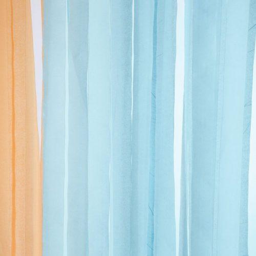 feestartikelen-crepe-papier-slinger-lichtblauw-3