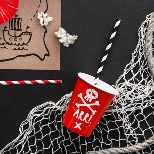 kinderfeestje-versiering-papieren-rietjes-red-white-pirates-party