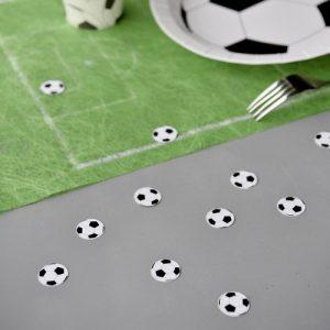 kinderfeestje-voetbal-confetti-voetbal