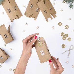 kerstversiering-adventsdoosjes-kit-kraft-houses-natural-christmas-3.jpg