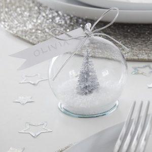 kerstversiering-plaatskaarthouders-met-kaartjes-snowglobe-silver-glitter.jpg