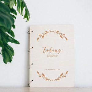 kraamcadeau-houten-bewaarboek-boho-gepersonaliseerd-5