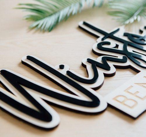 kraamcadeau-houten-naam-met-acryl-gepersonaliseerd-3