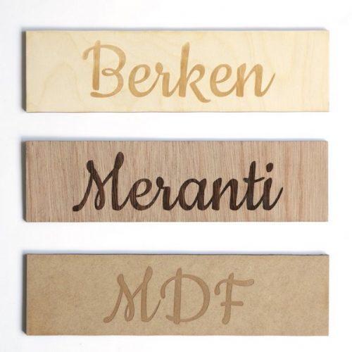 kraamcadeau-houten-naam-poster-bergen-gepersonaliseerd