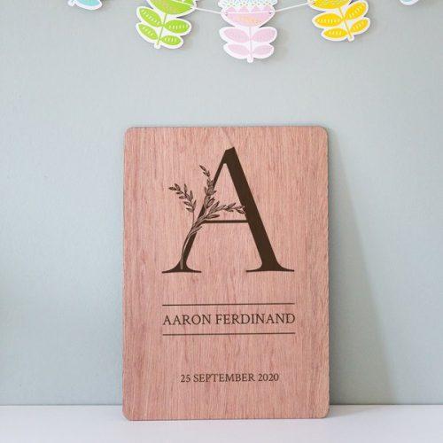 kraamcadeau-houten-naam-poster-letter-gepersonaliseerd
