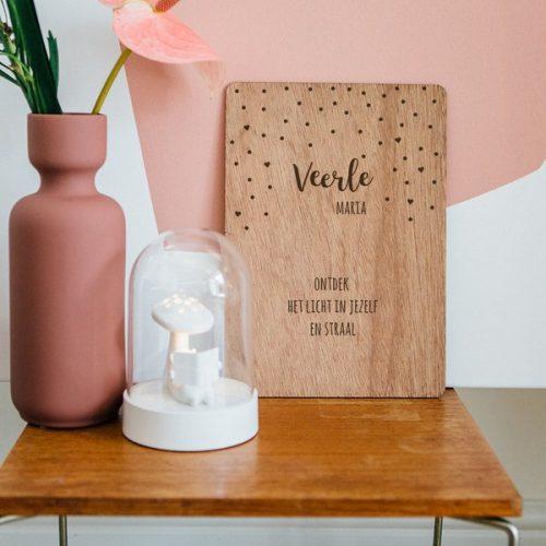 kraamcadeau-houten-poster-naam-confetti-gepersonaliseerd-2