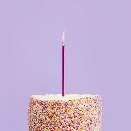 feestartikelen-skinny-taartkaarsen-metallic-hot-pink