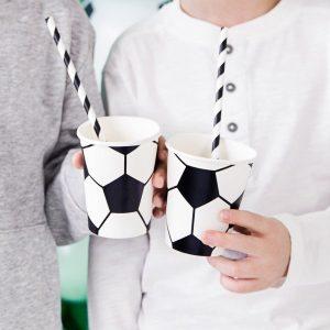 kinderfeestje-versiering-papieren-bekertjes-voetbal-black-white-2