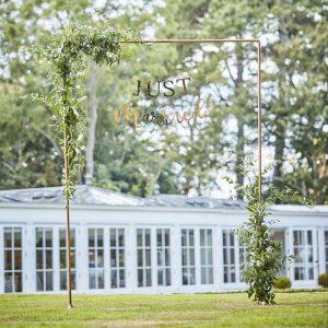 feestartikelen-backdrop-standaard-koper-botanical-wedding-2.jpg