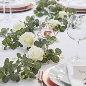 feestartikelen-eucalyptus-slinger-met-rozen-botanical-wedding-2.jpg