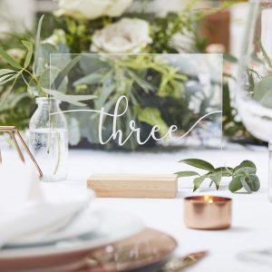 feestartikelen-tafelnummers-acryl-met-houten-standaard-botanical-wedding.jpg