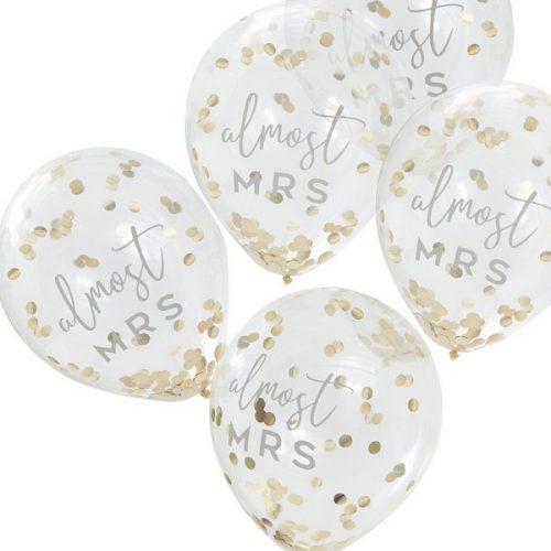 vrijgezellenfeest-versiering-confetti-ballonnen-botanical-hen.jpg