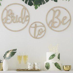 vrijgezellenfeest-versiering-houten-kransen-bride-to-be-botanical-hen-2.jpg