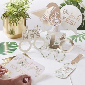 vrijgezellenfeest-versiering-photobooth-props-botanical-hen-gepersonaliseerd-2.jpg