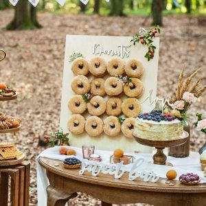 bruiloft-decoratie-houten-donut-wall-forest-wedding-4.jpg
