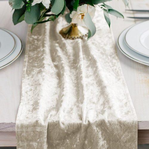 feestartikelen-velvet-tafelloper-ivory-white-2