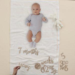 babyshower-versiering-houten-mix-match-milestones-baby-in-bloom-4