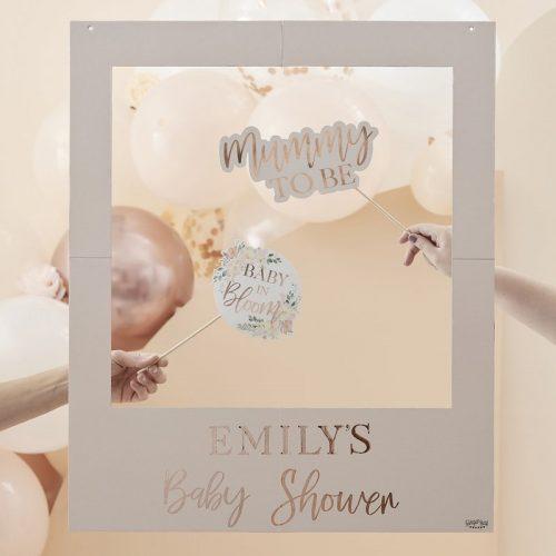 babyshower-versiering-photobooth-frame-baby-in-bloom-gepersonaliseerd-2