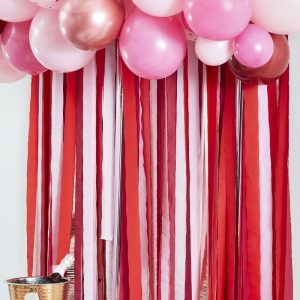 valentijn-decoratie-backdrop-streamer-pink-red-i-heart-you