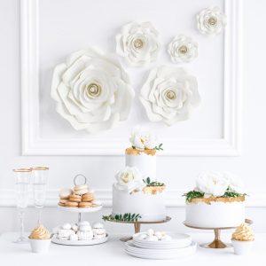 bruiloft-decoratie-backdrop-bloemen-mix-light-cream-2.jpg
