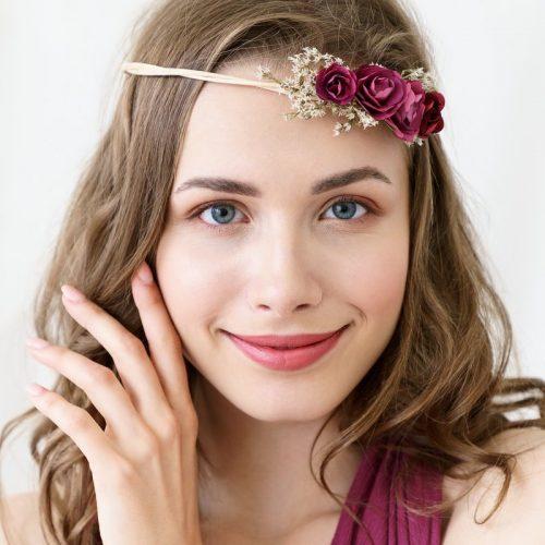 bruiloft-decoratie-polscorsage-bloem-bordeauxrood-1.jpg